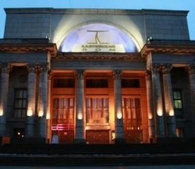 """С 9 по 15 апреля 2012 года на сцене Театра-фестиваля  """"Балтийский дом """" пройдет..."""