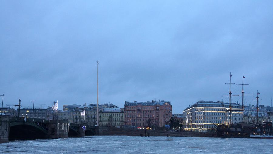 УБиржевого моста хотят установить 70-метровый монумент Хармсу