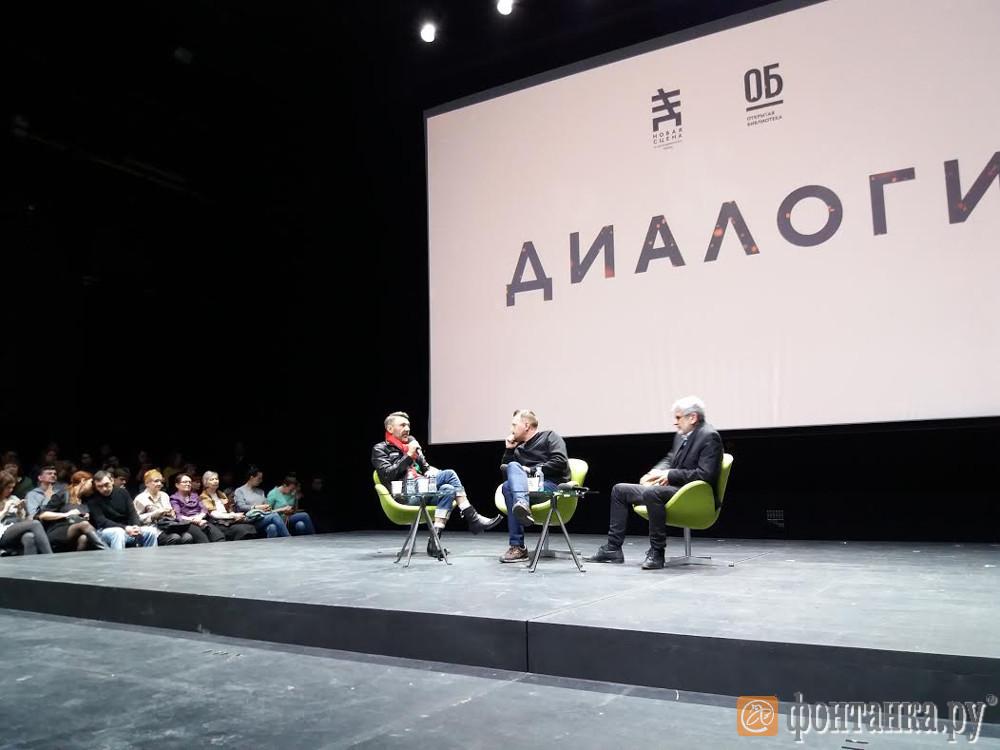 Сергей Шнуров назвал писателя Сорокина образцом обращения сматом