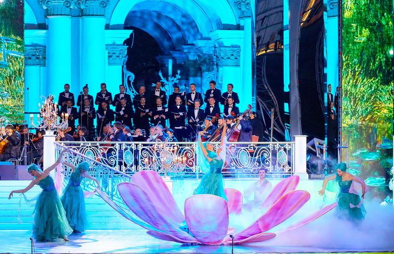 В День города на Дворцовой выступит лауреат «Грэмми» Роберто Аланья