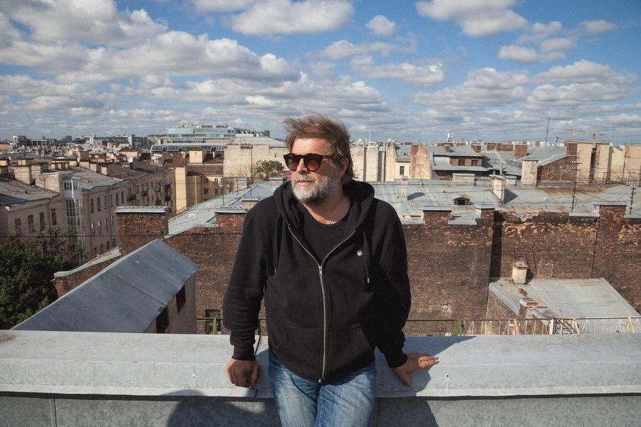 Борис Гребенщиков дал бесплатный концерт вцентре Петербурга