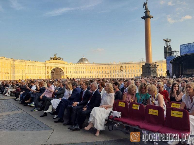 НаДворцовой пройдет концерт «Би-2» ссимфоническим оркестром